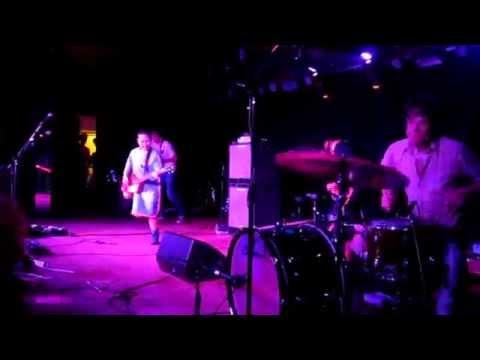 Deerhoof lyrics
