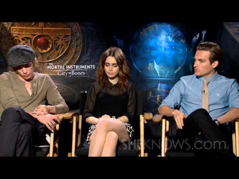 Lily Collins, Jamie Campbell Bower, & Kevin Zegers Talk The Mortal Instruments – Celebrity Interview