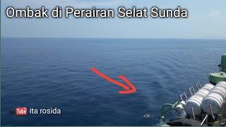 Video Ombak di Selat Sunda Pagi ini MP3, 3GP, MP4, WEBM, AVI, FLV Mei 2019