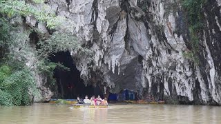 Boat ride through karst cave - Dragon Palace, GuiZhou 貴州安順 龍宮 溶