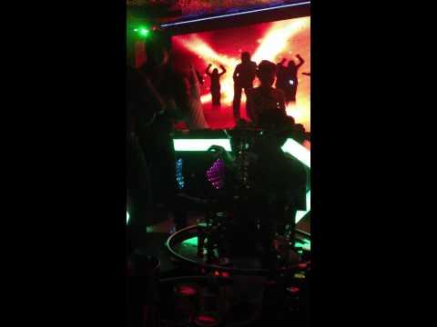 Dj chip live show blue house club  - congdongvip.com