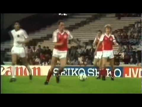 Sebfootball - Visit http://4Dfoot.com for more classic video's Preben Elkjaer proved three things. You don't have to be short to be a sensational dribbler. You don't have ...