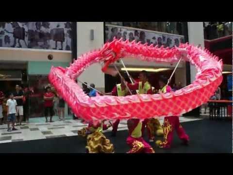 Publika 2013 - CNY Dragon Dance