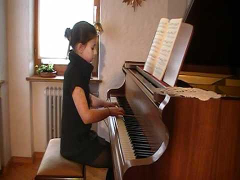 Matthias Backhaus - Henle-Klavierwettbewerb Anastasia Backhaus spielt das Allegro aus der Sonatine Nr. 2 von Muzio Clementi op. 36.