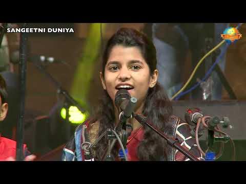 Maithili Thakur || Simaria Sahitya Mahakumbh || Bihar's Favourite Bhajan Singer || Morari Bapu