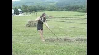 Urocza dziewczyna ze wsi