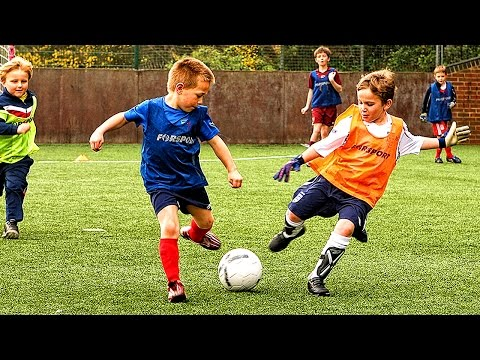 KIDS IN FOOTBALL ● FUNNY FAILS, SKILLS, GOOALS