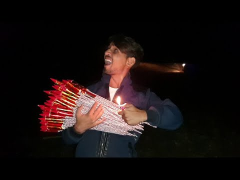 होश उड़ गए जब हमने 200 दीवाली रॉकेट एक साथ चलाये - Best Diwali Video Ever