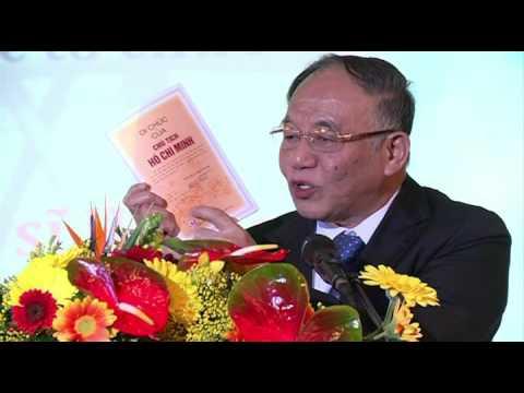 GS Hoàng Chí Bảo nói chuyện về Bác Hồ tại Berlin 05.2016