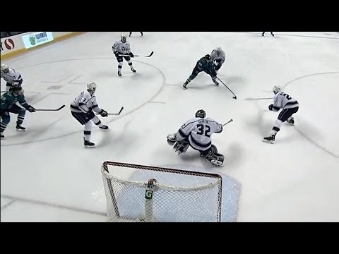Video: Sorensen weaves his way through Kings defence and beats Quick on the backhand
