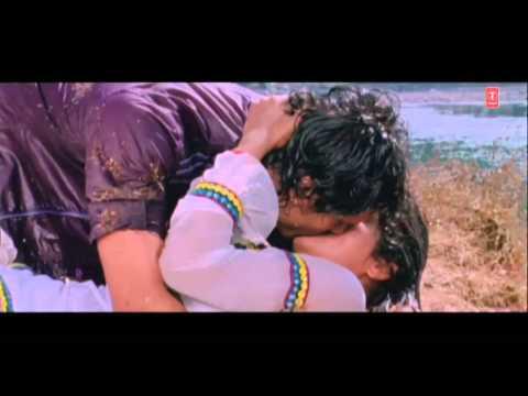 Video Hot & Sexy scene from Bhojpuri Movie [Dil Le Gayi Odhaniya Waali] download in MP3, 3GP, MP4, WEBM, AVI, FLV January 2017