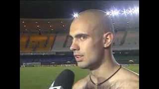 A equipe do Cruzeiro venceu o Flamengo pelo placar de 2 a 1, no Maracanã, na Primeira fase do Campeonato Brasileiro 2000.