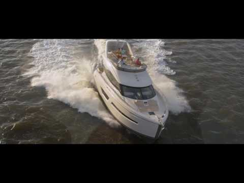 Luxury Yacht | Carver Yachts Brand