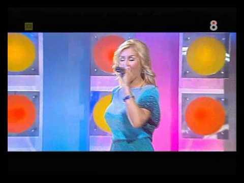 Malena Gracia - Un Poquito Más (Actuación TV)