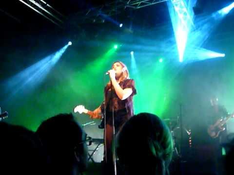 peniciline - Début chanté de Peniciline par IZIA à l'omnibus de St Malo, le 27 janvier 2012.