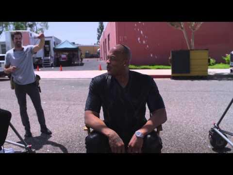 Dr Dre fait le Ice Bucket Challenge et défie Eminem, Snoop Dogg et Kendrick Lamar (video)