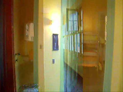 Hostel Ayekantun - Video