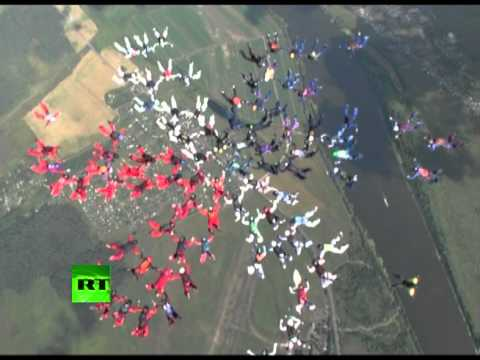 Free Falling Flower - 88 Way Skydiving Formation