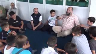 """Vizitë Hoxhë Ekrem Avdiut në Mitrovicë nga Nxënësit e Mektebit """"NUN"""" - Shkup"""