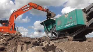 Powerscreen Premiertrak 400 mobile jaw crusher and Warrior 1400X screen