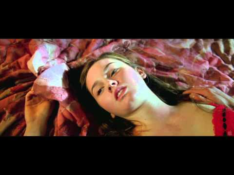 Catherine Keener Naked. #DESNUDA