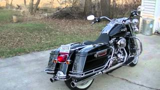 2. 2005 Harley Davidson Road King Classic sound clip.