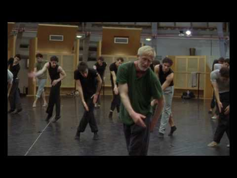 danse - Documentary master director Frederick Wiseman's latest film eloquently follows the rehearsals and performances of seven ballets including Genus by Wayne McGr...