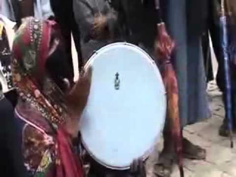 תימניה שרה ברחוב בתימן اغنية يمنية جميلة