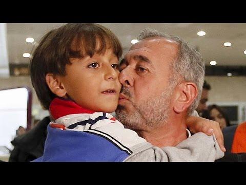 Πατέρας και γιος από τη Συρία ξαναχτίζουν τη ζωή τους στην Ισπανία