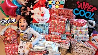 Video Christmas Special Morning  Tiana & Family Opening Presents download in MP3, 3GP, MP4, WEBM, AVI, FLV January 2017