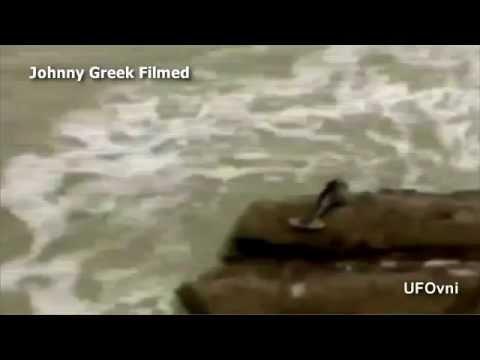 Real Mermaid on a rock / Sirene sur 1 rocher