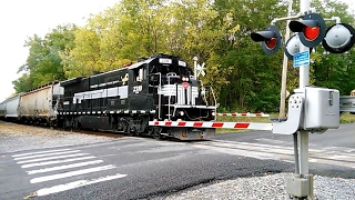 Farmington (NY) United States  City pictures : FGLK Local Train Blows Thru East Street In Canandaigua, NY