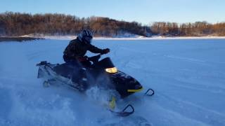 2. Snowmobile Polaris RMK 700 151-inch 2004