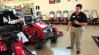 7. The Benefits of a Snapper Lawn Tractor from Moe's (2012)