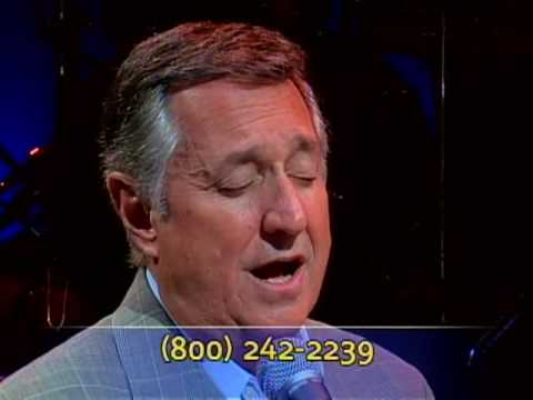 "Neil Sedaka Sings ""Yiddishe Mama"" On The Chabad ""To Life!"" Telethon"