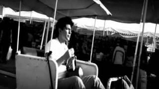video y letra de Parece que va a llover  por Victor García