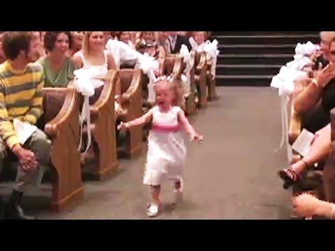 bambini portano le fedi all'altare ma qualcosa va storto...