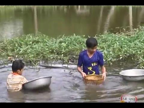 Cuộc sống của 2 đứa trẻ mồ côi