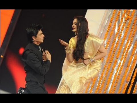 Video Shahrukh Khan Proposes Rekha, Yet Again ! download in MP3, 3GP, MP4, WEBM, AVI, FLV January 2017
