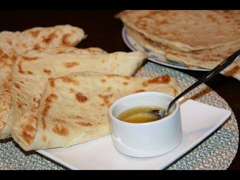 crêpe marocaine - Les crêpes marocaines (rghaif, mssamn) sont très populaires au Maroc. On les retrouve très souvent lors du petit déjeuner et même lors du goûter; servit avec...