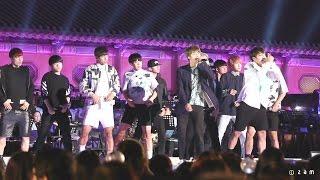 Download Lagu 150529 방탄소년단 - 흥탄소년단 (열린음악회 경복궁 흥례문광장) 직캠 fancam by zam Mp3