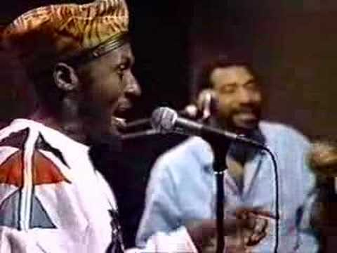 dickeyboyz - Jimmy Cliff plays live.