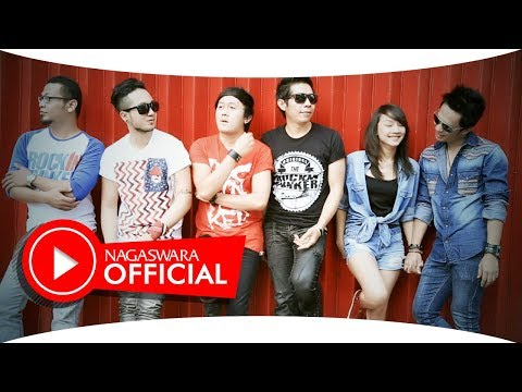 Saleena Band Feat Shasa -  Jangan Pernah Berubah - Official Music Video - Nagaswara