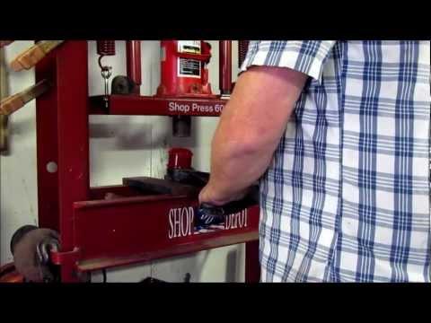 Replacing 01-05 Honda Civic Front Lower Control Arm Bushings
