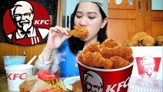 Video [mukbang] kfc whole bucket chicken + spaghetti + cream soup + Lychee float +French fries MP3, 3GP, MP4, WEBM, AVI, FLV Maret 2018
