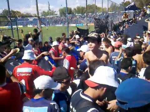 Nos dicen los caudillos, somos del parque ♪ (previa antes del partido con Aldosivi) - Los Caudillos del Parque - Independiente Rivadavia