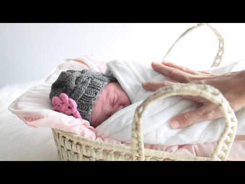ROPA DE BEBES - Video bonito de bebés de http://www.elreciennacido.com . El milagro de ser madre por primera vez. Tengo guardado en mi corazón, El primer latido que me regal...