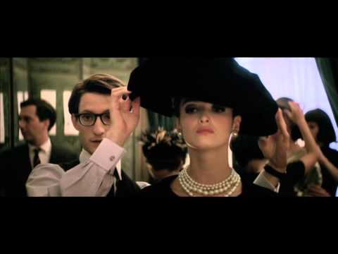 Yves Saint Laurent Clip 'Catwalk'