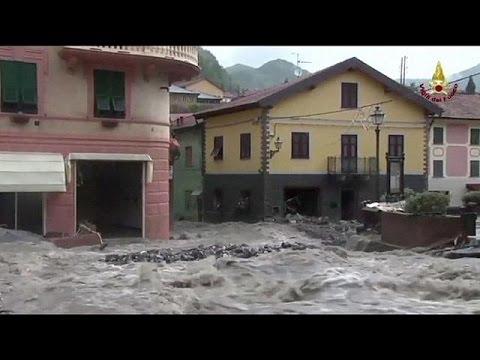 digues - En Italie, Gênes et plusieurs autres villes du nord-ouest du pays sont toujours ce samedi en état d'alerte face au risque de nouvelles inondations. Les forte...