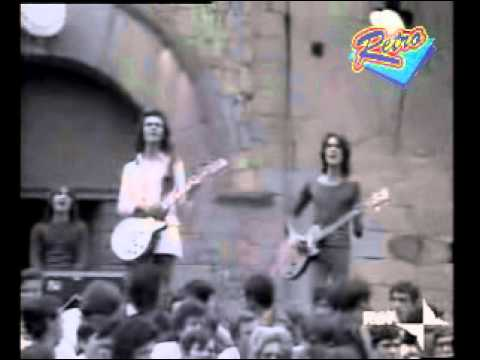 I Pooh - Tantos deseos de ella (italiano) (retro video with edited music) (видео)